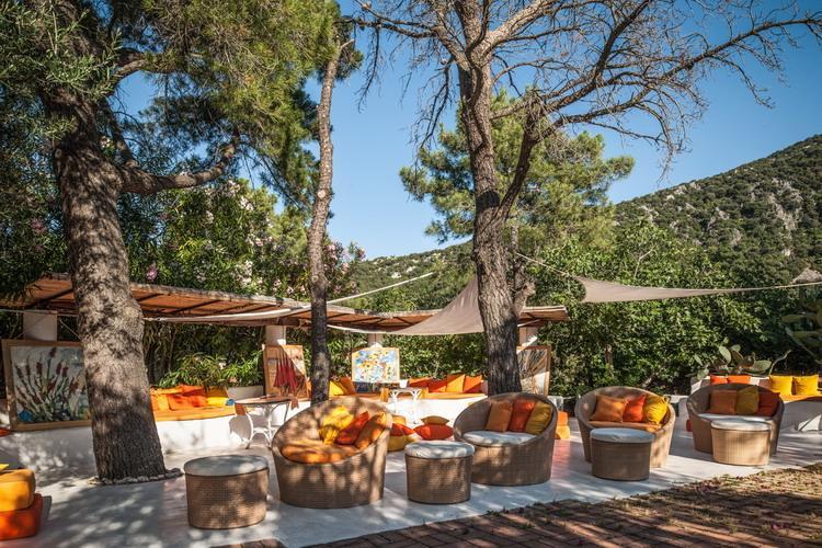 romantikhotels hotel su gologone sardinien oliena nuoro eva. Black Bedroom Furniture Sets. Home Design Ideas