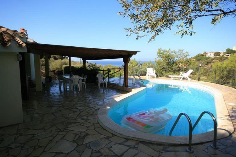 Ferienhaus sardinien villa mit pool mieten eva for Sardinien ferienhaus am strand